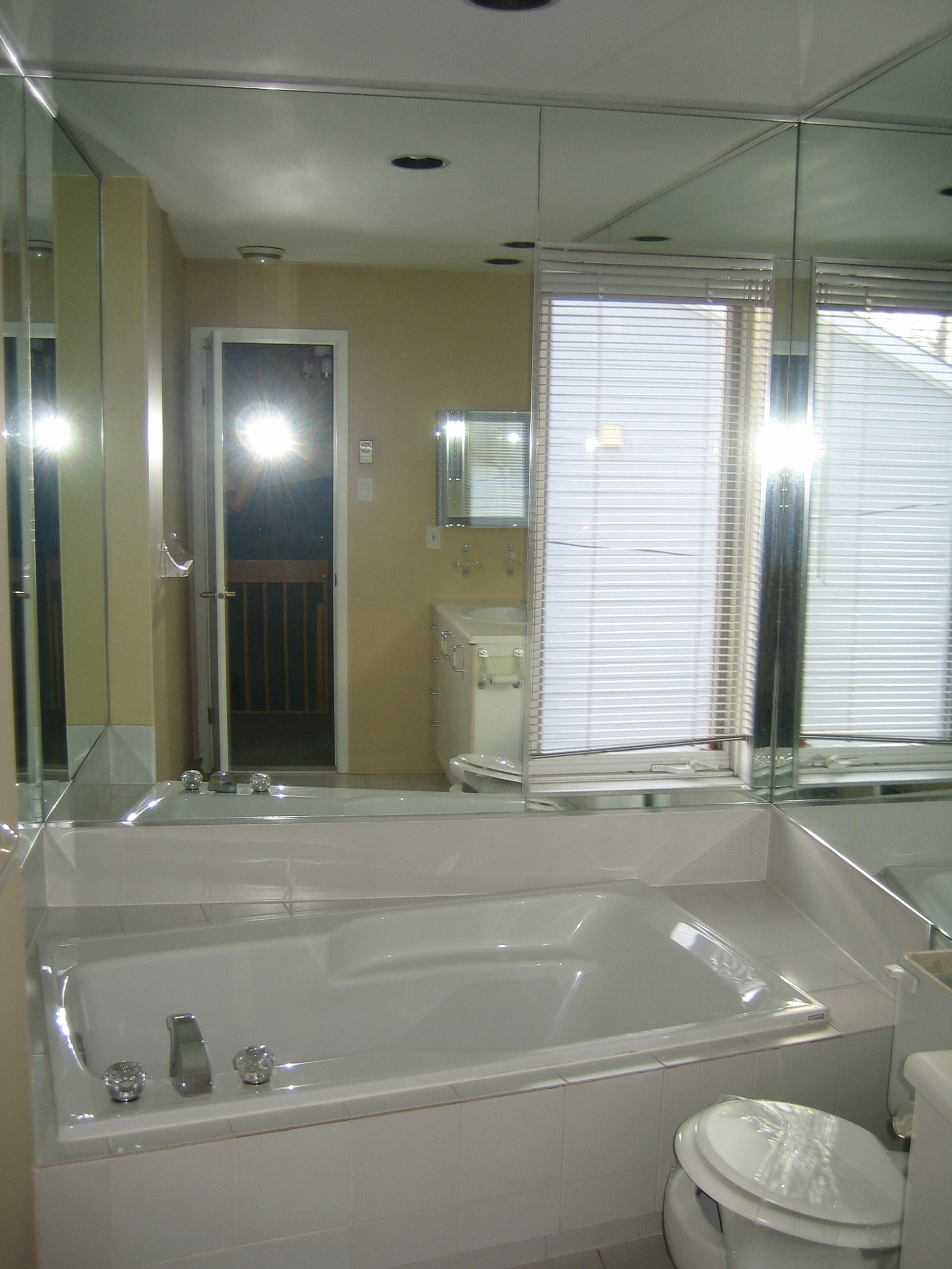 comptoir des sanitaires les derni res id es. Black Bedroom Furniture Sets. Home Design Ideas